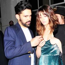 CANDIDS: Ana e Alejandro são fotografados em LA