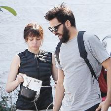 CANDIDS: Com seu namorado em LA